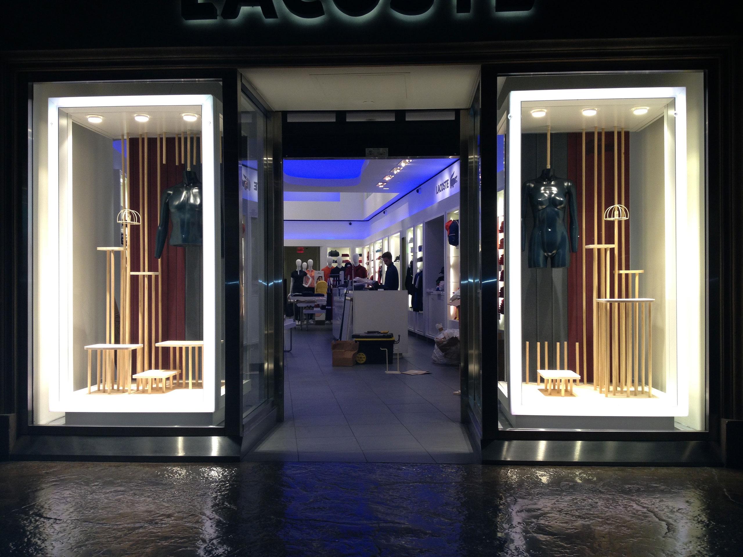 5ee482259 Storefront Lacoste Usa - Las Vegas - Kiosk Dimensions